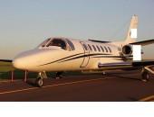 1993 Cessna Citation V à venda  Aeronave já no Brasil 100% nacionalizada. Não tem histórico de acidente ou incidente. Toda manutenção em dia. 333 Horas após HSI. Sempre hangarada. Pintura e Interior feitos em 2013. Segundo dono desde novo.  AVIÔNICOS E RÁDIOS  ADF: Dual Collins ADF-462; Altimeter: Hectopascal; Autopilot: Honeywell SPZ-500 IFCS; Avionics Package: Honeywell SPZ-500 IFCS Pro Line II; Communication Radios: Dual Collins VHF-22A; Compass: Dual Honeywell C-14D; CVR: CVR; DME: Dual Collins DME-42; EFIS: Honeywell 3-tube; Flight Director: Honeywell SPZ-500 IFCS; Flight Phone: Wulfsberg VI; Flight Rules: IFR; GPS: Garmin GPS-500W (IFR); Hi Frequency: Collins; Navigation Radios: Dual Collins VIR-32A; Radar Altimeter: Collins ALT-55B; RMI: Dual Collins RMI-36; Stormscope: Yes; TAWS: EGPWS TCAS: TCAS-I;  EXTERIOR: EM ÓTIMO ESTADO INTERIOR: ORIGINAL DE FÁBRICA E SUPER CONSERVADO.  AERONAVE PRONTA PARA VOAR E COM TODAS AS REVISÕES EM DIA.  MARIA ZILDA 14 99723-3993